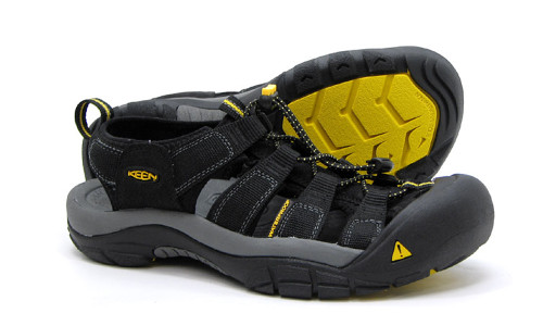 Keen Newport H2 Black Mens Sport Sandals - Shop now @ Shoolu.com
