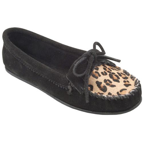 Minnetonka Leopard Kilty Moc Black Ladies - Shop now @ Shoolu.com