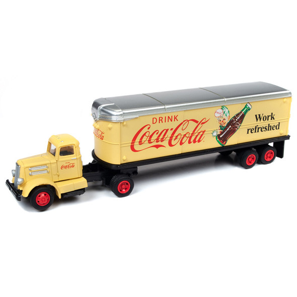 Coca Cola WC22 Tractor With Trailer 1/87 Scale Front