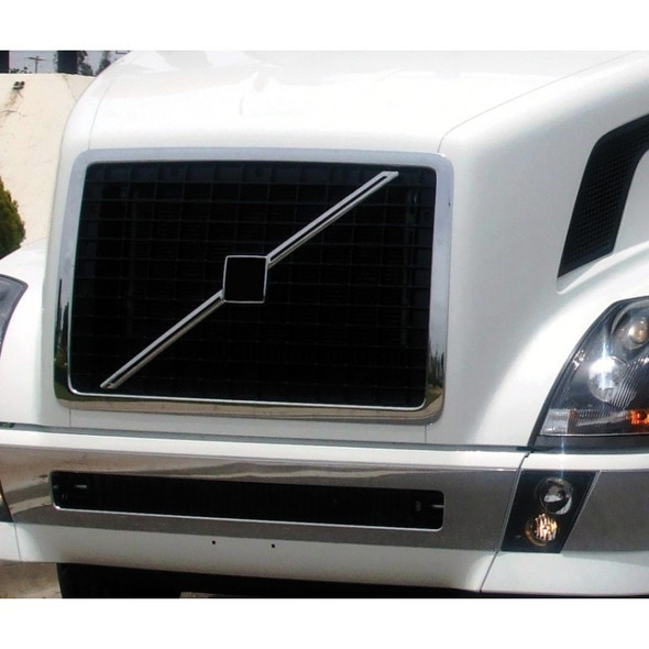Volvo VNL Behind Grill Bug Screen On Truck