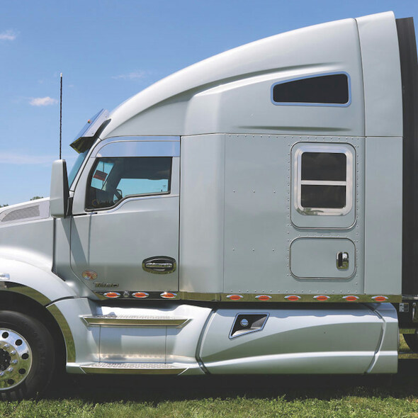 Kenworth T680 T880 Sleeper Window Trim On Truck