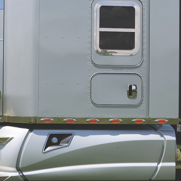 """Kenworth T680 T880 76"""" Sleeper Panels With Extension & M1 Amber LEDs"""