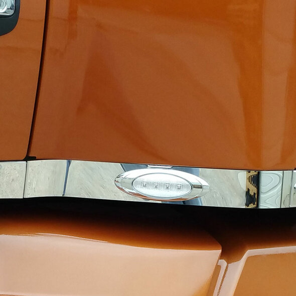 Kenworth T680 T880 Stainless Steel Exhaust Filler Panel With P1 Style Amber LEDs