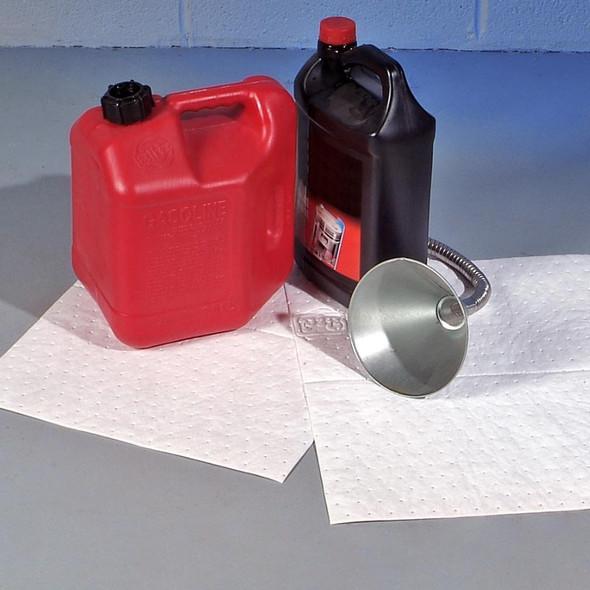 PIG Oil Only Absorbent 100 Sheet Mat Pad - Absorbs Oil Base Liquids Only