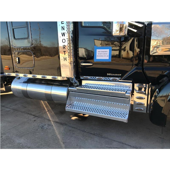 Kenworth T680 T880 W990 Stainless Steel Sleeper Panels Further View