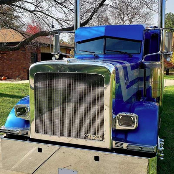 Peterbilt 389 Rectangle Grill Insert - On Truck Front View