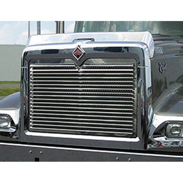 International 9900 5900I Grill With 18 Louver-Style Bars On Truck 1