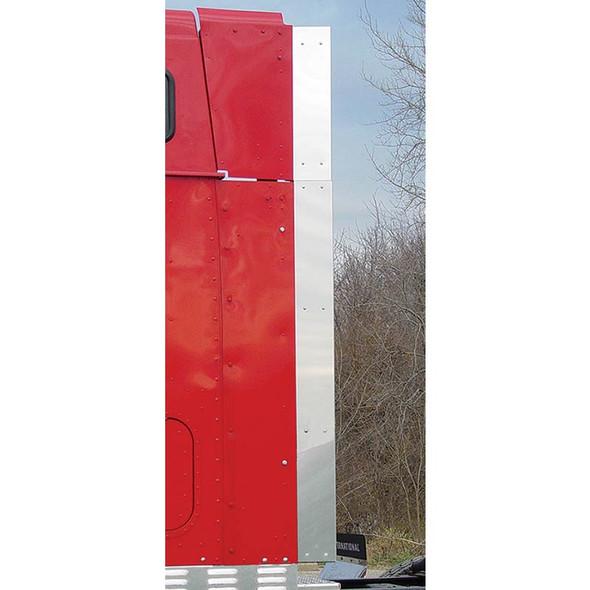 International I Model 9900i ix Hi Rise Pro Sleeper Rear Vertical Trims On Truck