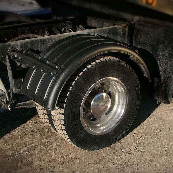 """Minimizer Poly Truck Fenders Black 1600 Series For 16.5"""" Wheels (Installed)"""