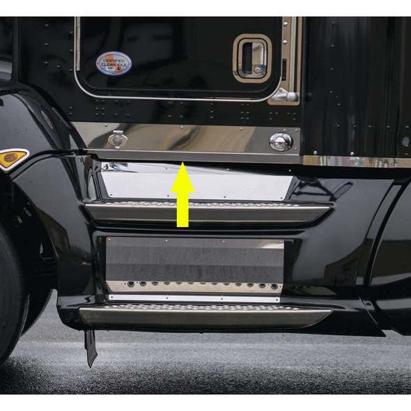 Kenworth T660 Kick Panels With Arrow