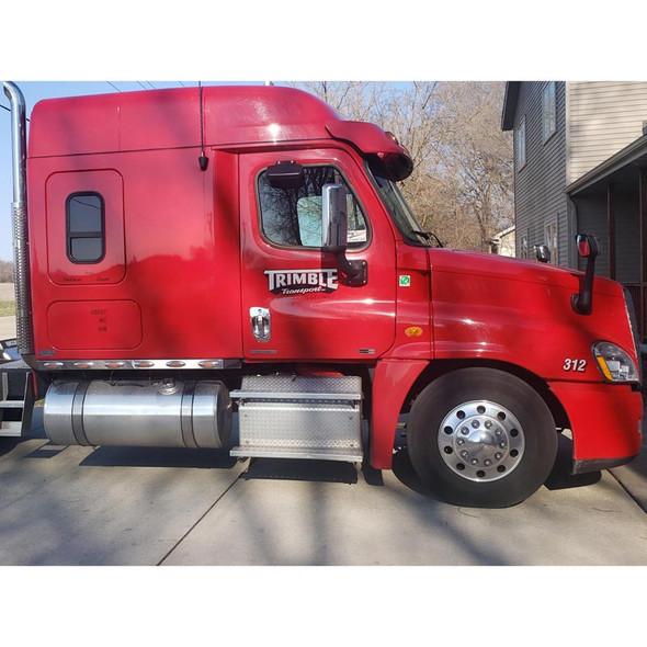 Freightliner Chrome Door Handle Cover On Truck