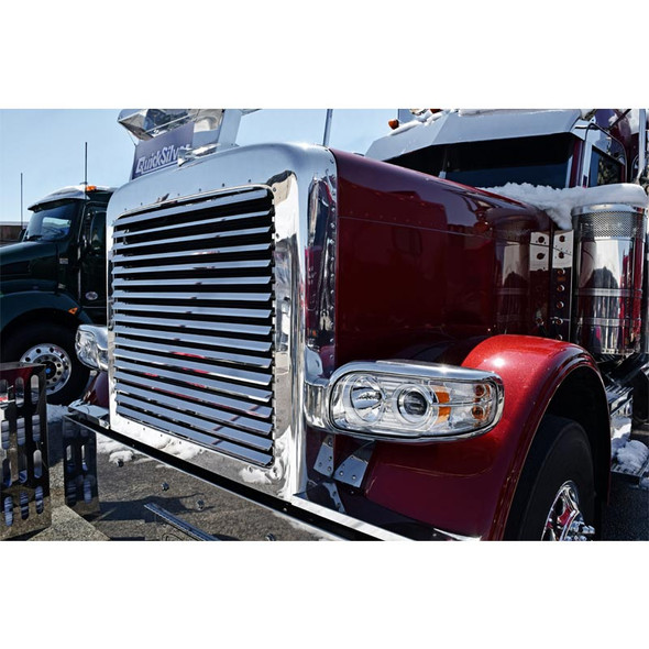 Peterbilt 388 389 Stainless Steel Grill With 17 Louver-Style Bars - On Truck