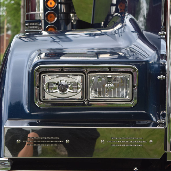 Kenworth W900B Front Blinker Bar with Slot Cut Outs & Lights Close Up