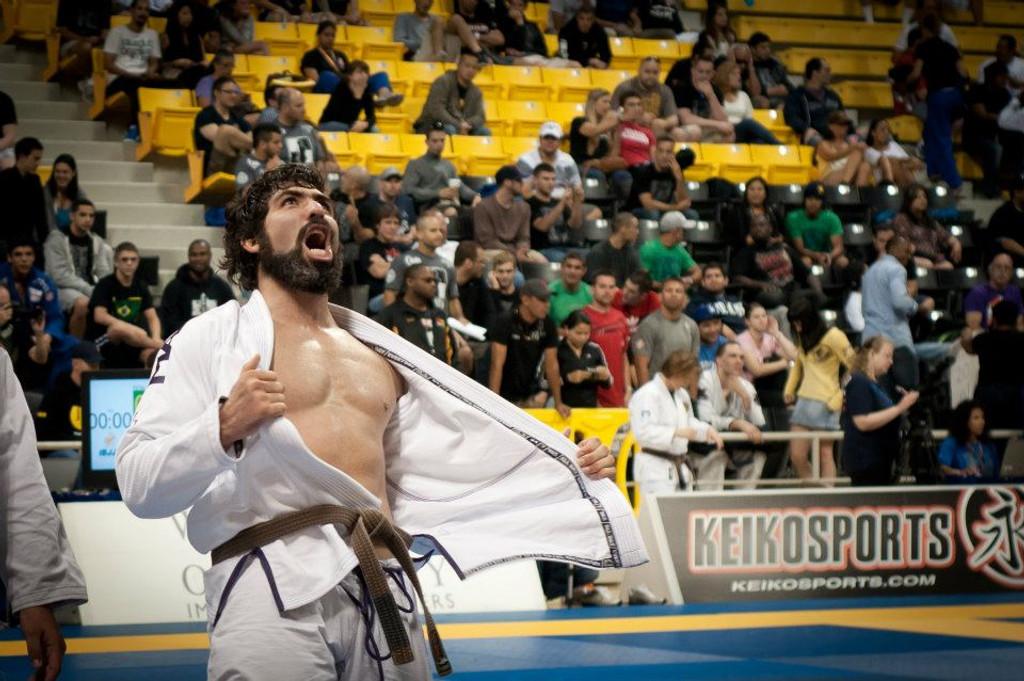 Abraham Marte Messina's winning yell at the 2012 IBJJF Worlds wearing the Manto X GI