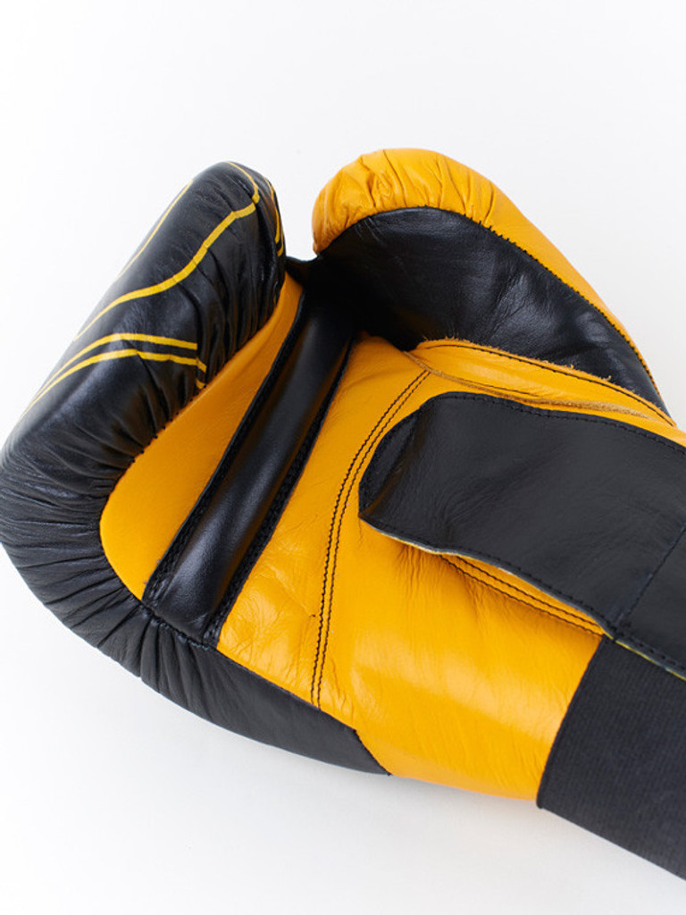 "MANTO ""PRO"" Boxing 16oz Gloves Black"