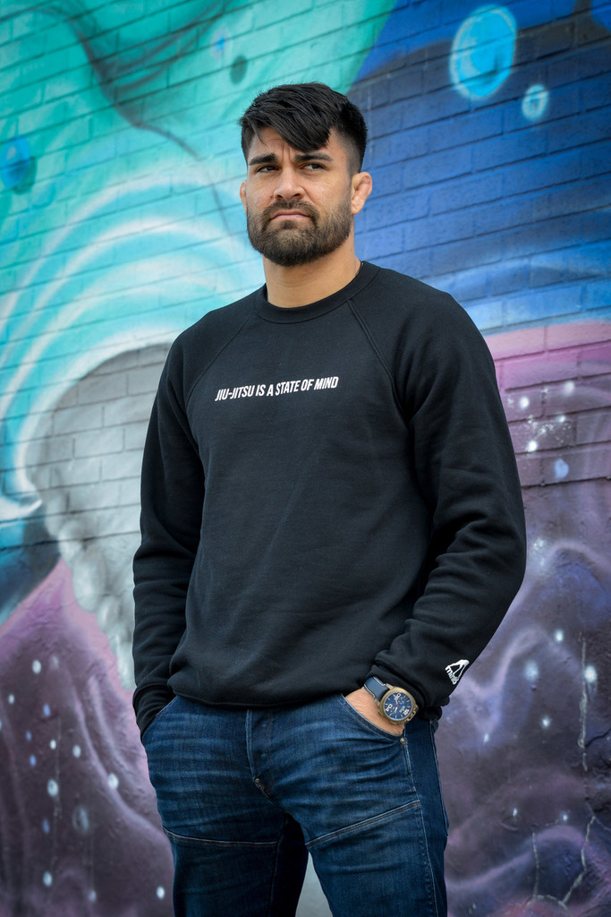"MANTO ""STATE OF MIND"" CREW NECK Black"