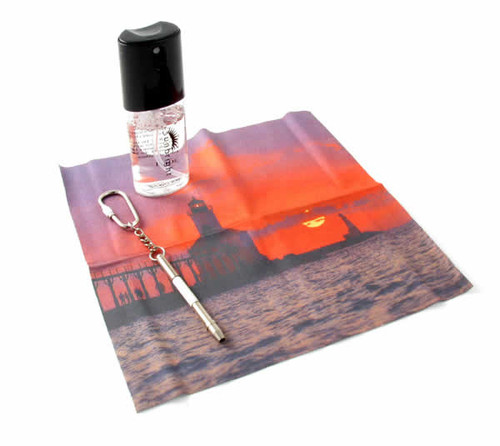 Lighthouse Cleaning Cloth + Cleaning Spray Kit