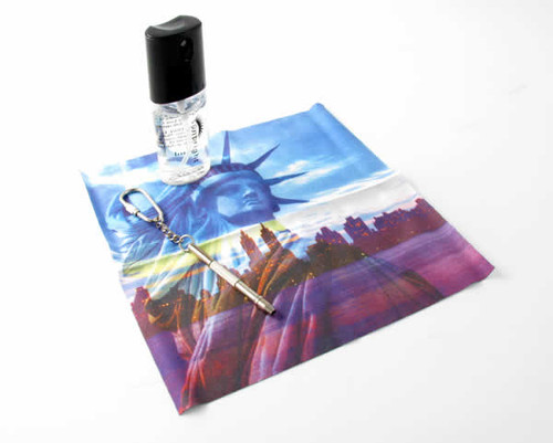 Statue of Liberty Cleaning Cloth + Spray Kit
