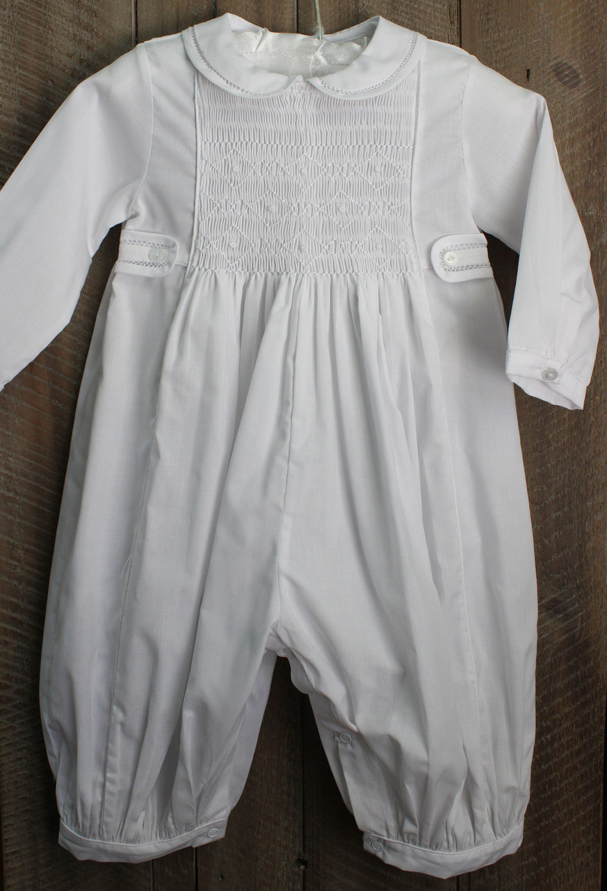 Feltman Brothers Boys Christening Baptism Smocked Gown /& Hat Set