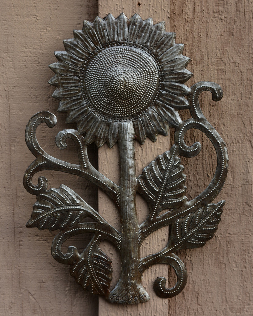 garden patio sunflower Haiti Metal art