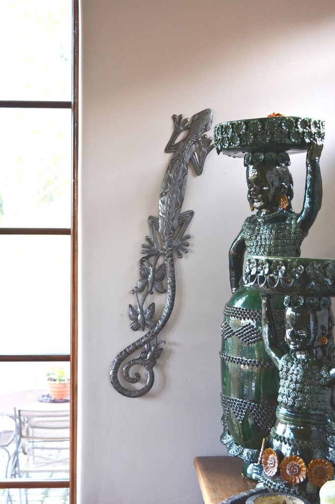 Gecko Climbing the wall, haiti metal art, indoor and outdoor, steel drum art, it's cactus metal art haiti