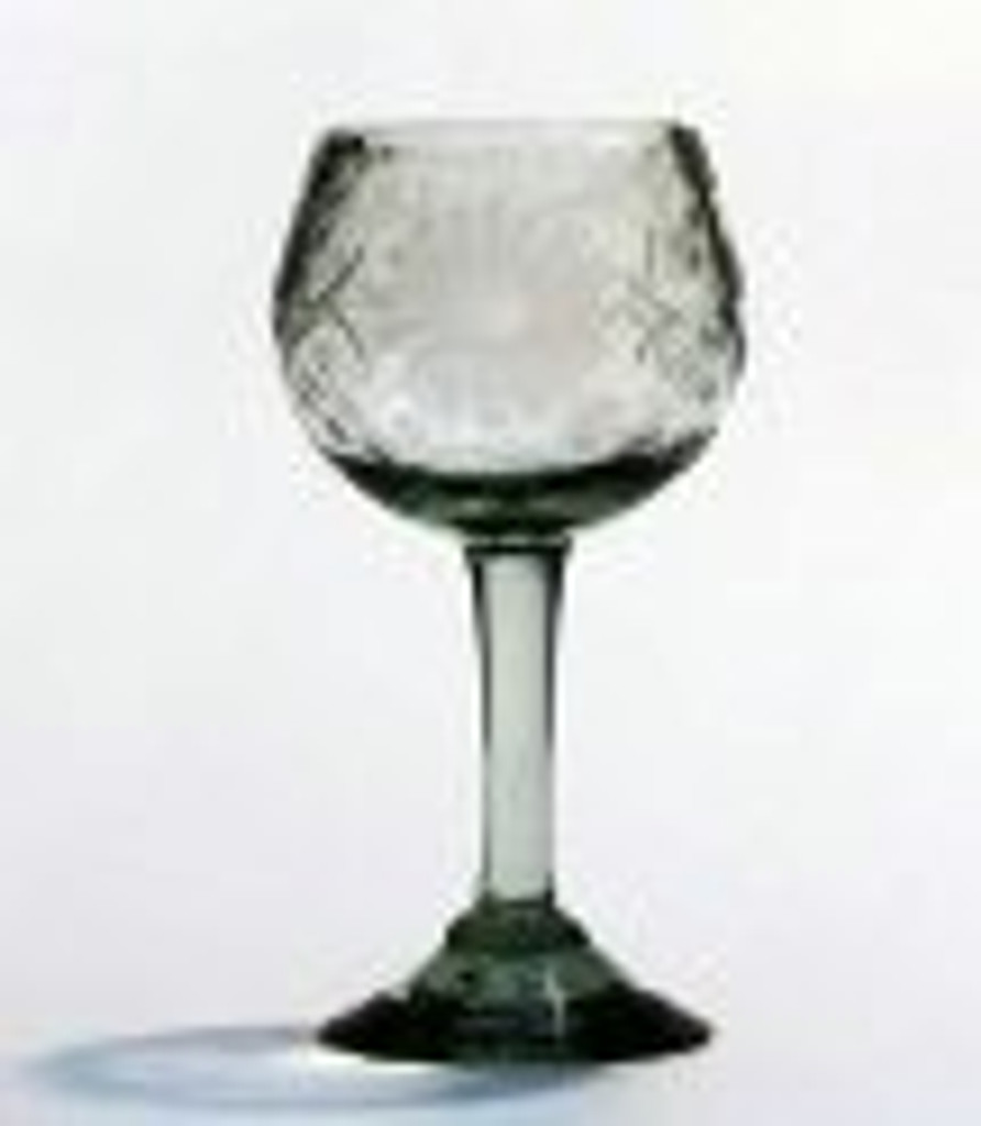 Etched Mexican Glass Clear Red Wine Glass