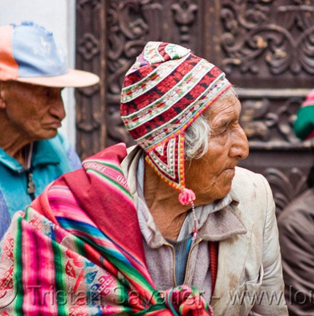 Vintage Andean Peruvian Bolivian ch'ullo colorful alpaca wool knit ear-flap