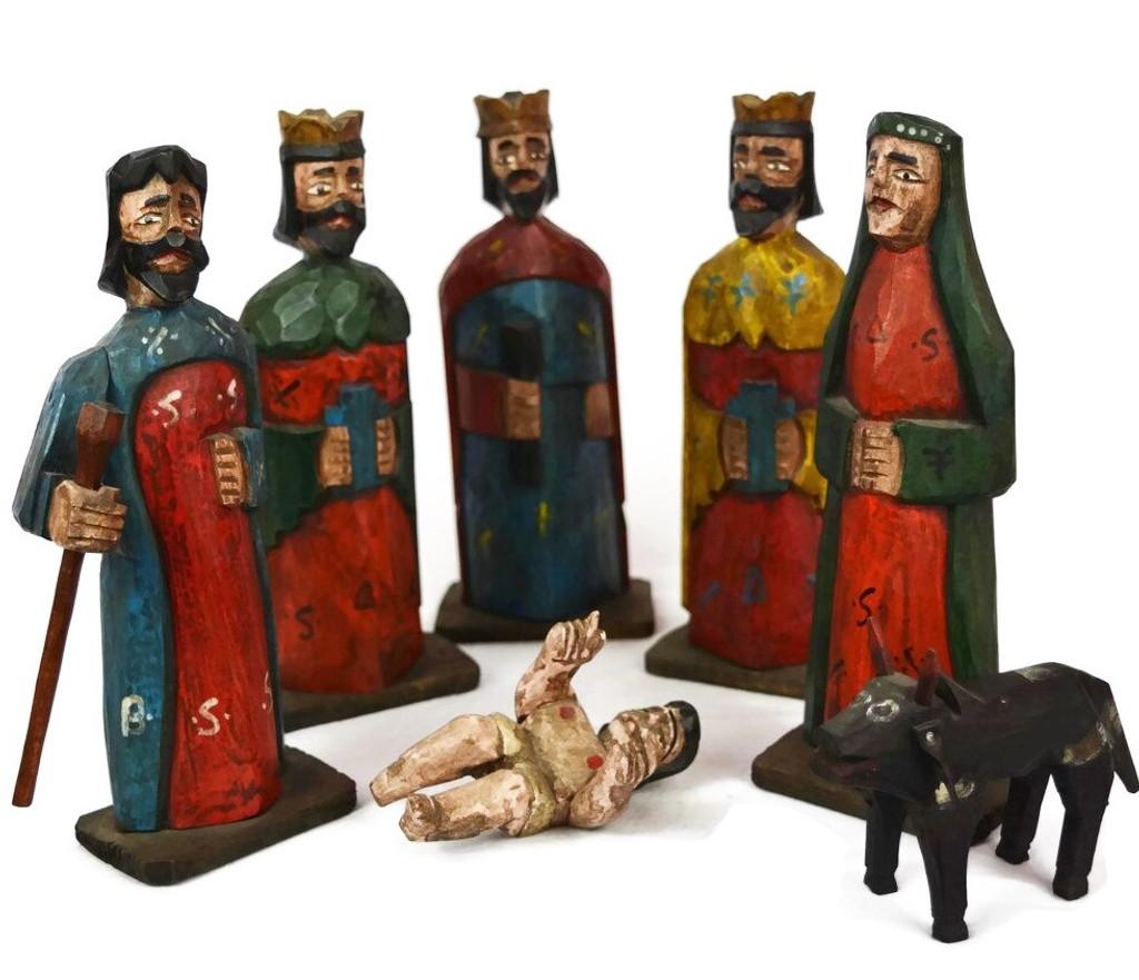 hand carved Guatemalan Nativity Nahauala