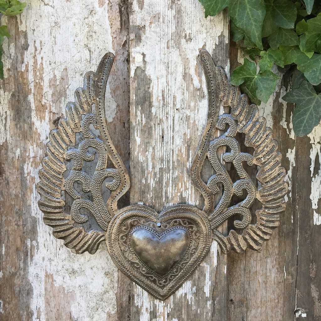 HAITIAN METAL HEART WITH WINGS