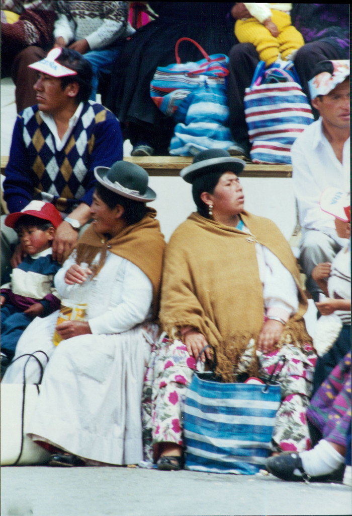 """Bolivian Cholita doll wearing traditional Hat and Shawl, Carnival Oruro  carrying her Baby 5"""" x 2"""" x 1.5"""""""