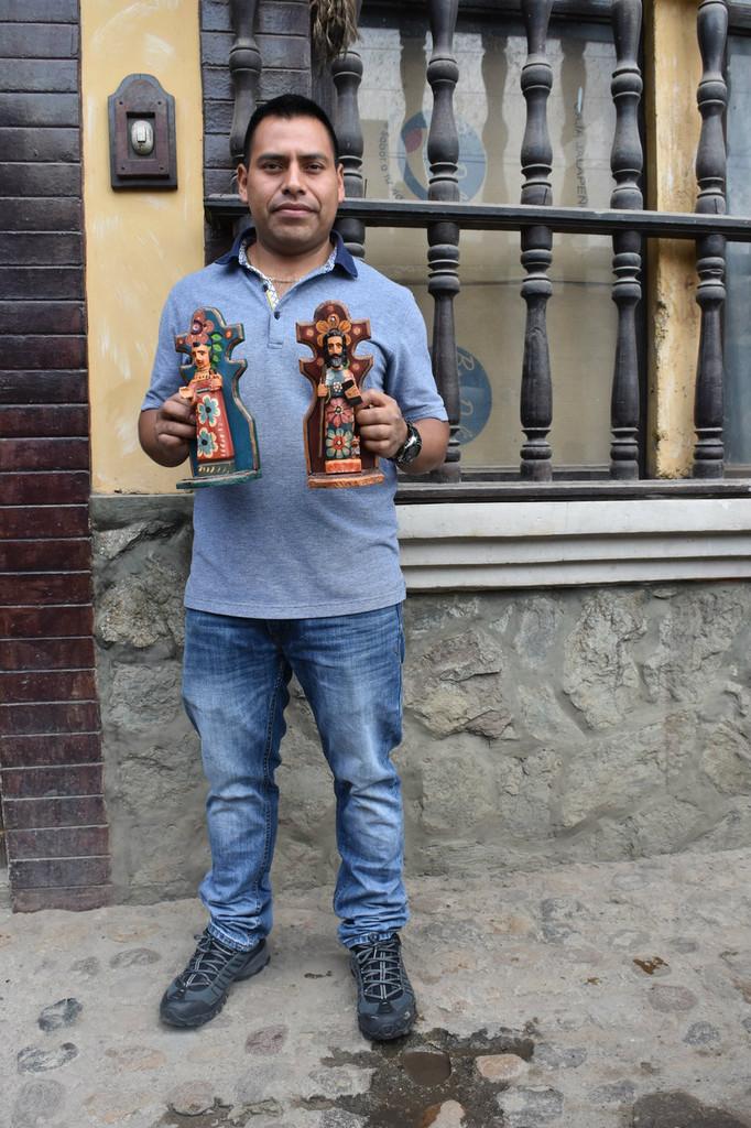 Wood carving Artist from Nahuala Guatemala