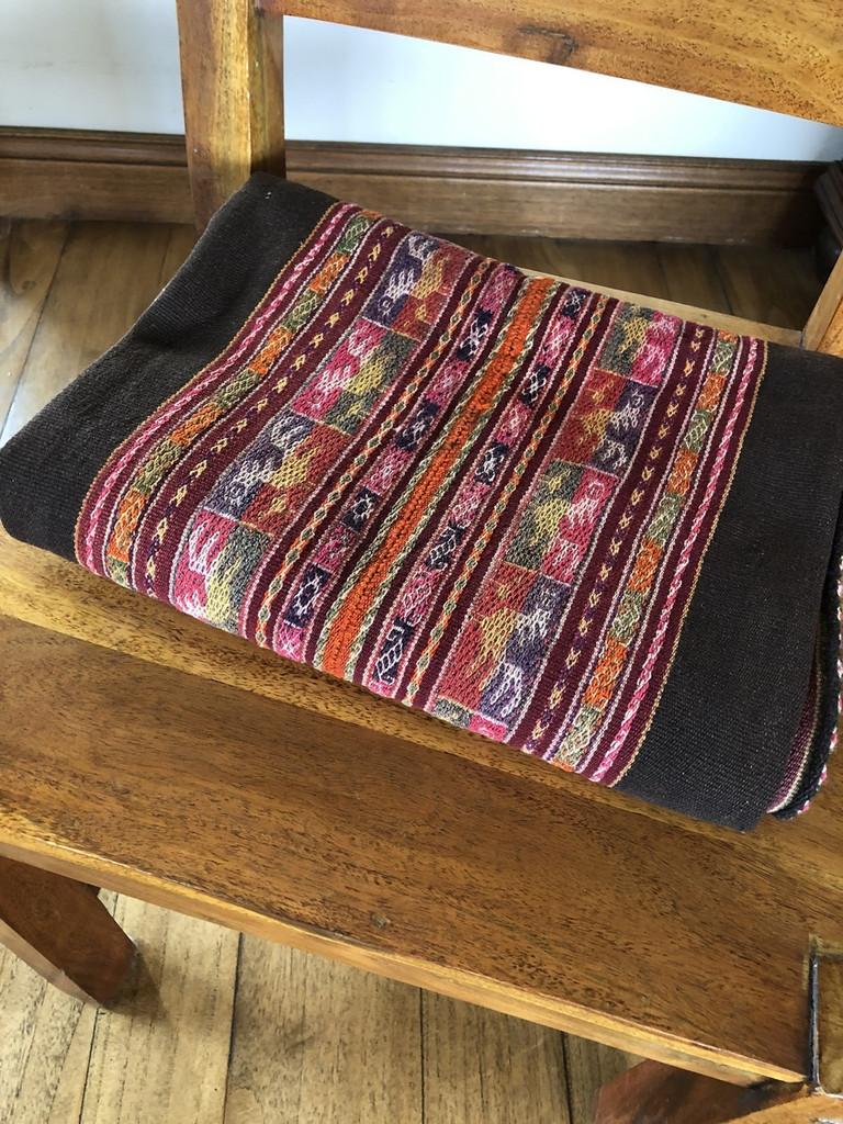 "Kakachaka Manta Bolivia, Table Cover, Vintage, Handmade in Bolivia, Ethnic Textile 40"" x 43"""