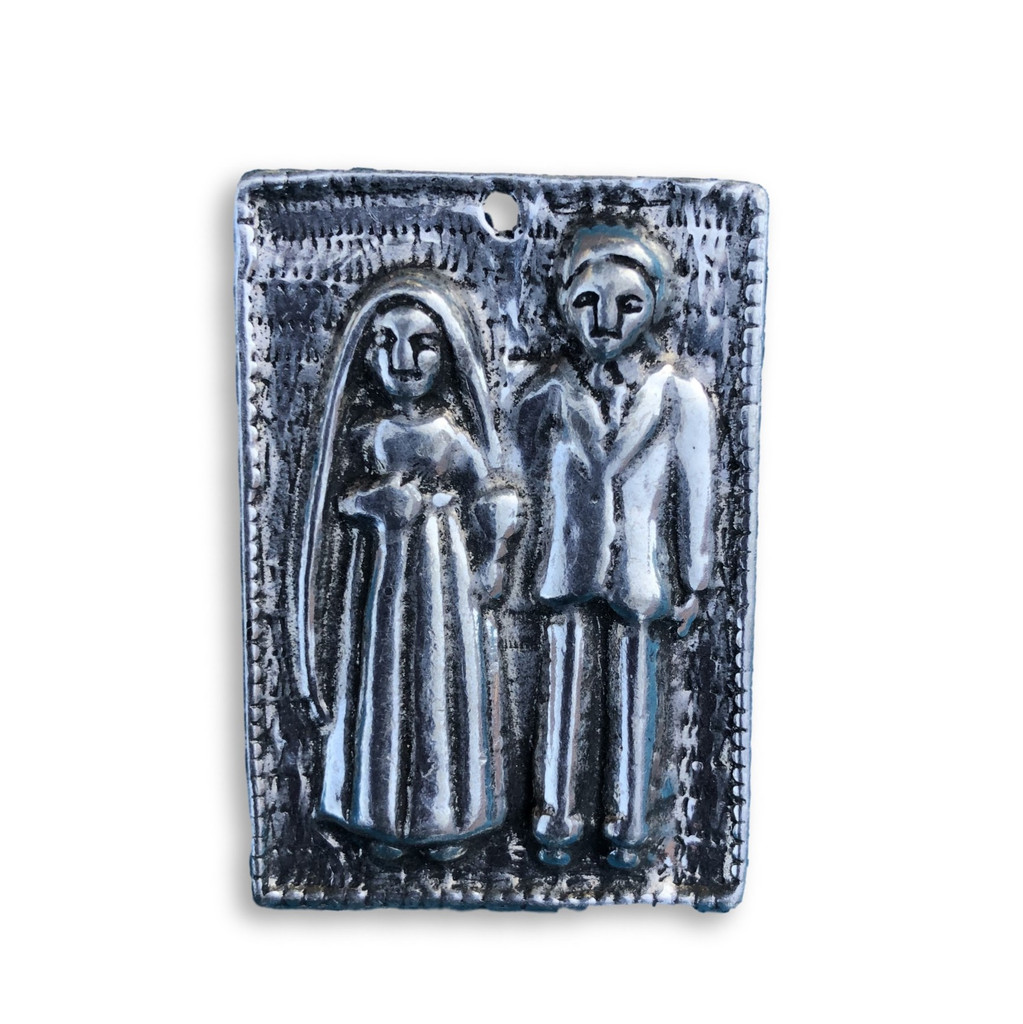 Couple , Married ,magnet , pewter milagro