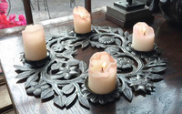 Holiday Table Top Decor, Wreath with candles.