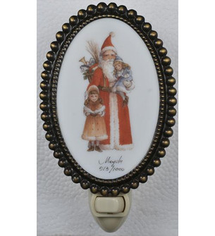 3.5''W Christmas Father Christmas & Friends Fused Oval Night Light (96|107256)