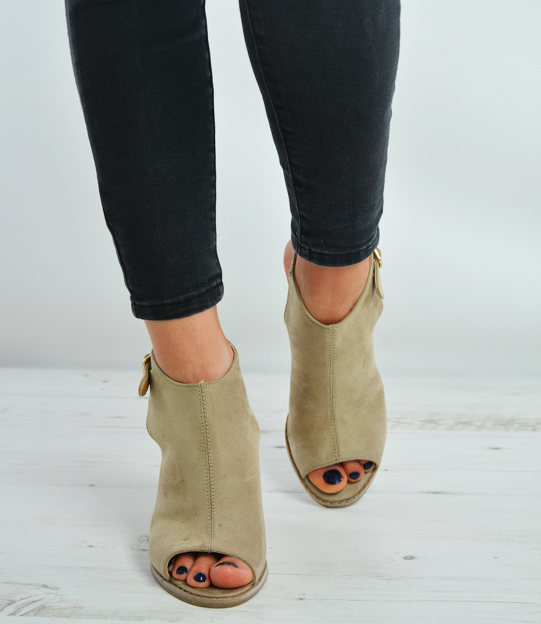 9c1bf92d2655ac Beige Suede Peep Toe Ankle Strap Wedges Shoes Size Uk 3-8