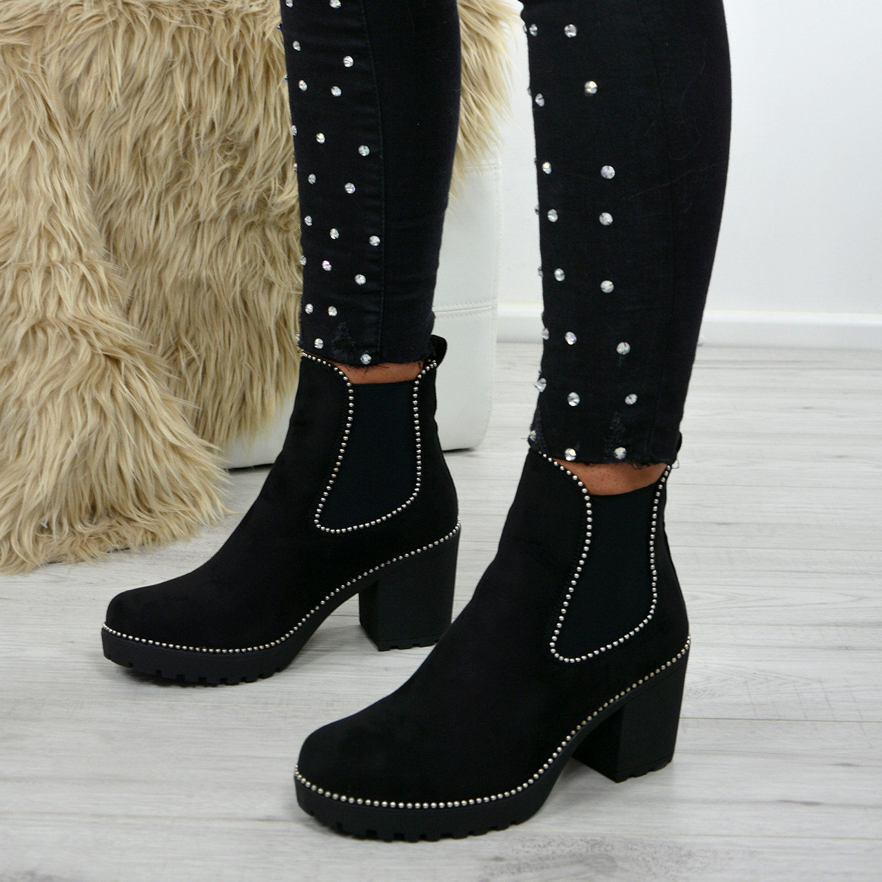 Womens Chelsea Ankle Boots Studded Chunky Block Heel Comfy Grip Sole Shoes UK3-8