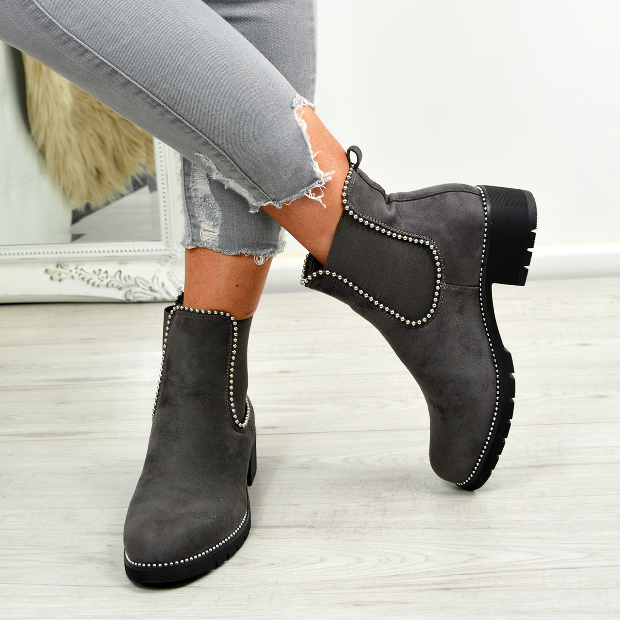 Ankle Boots Chelsea Studded