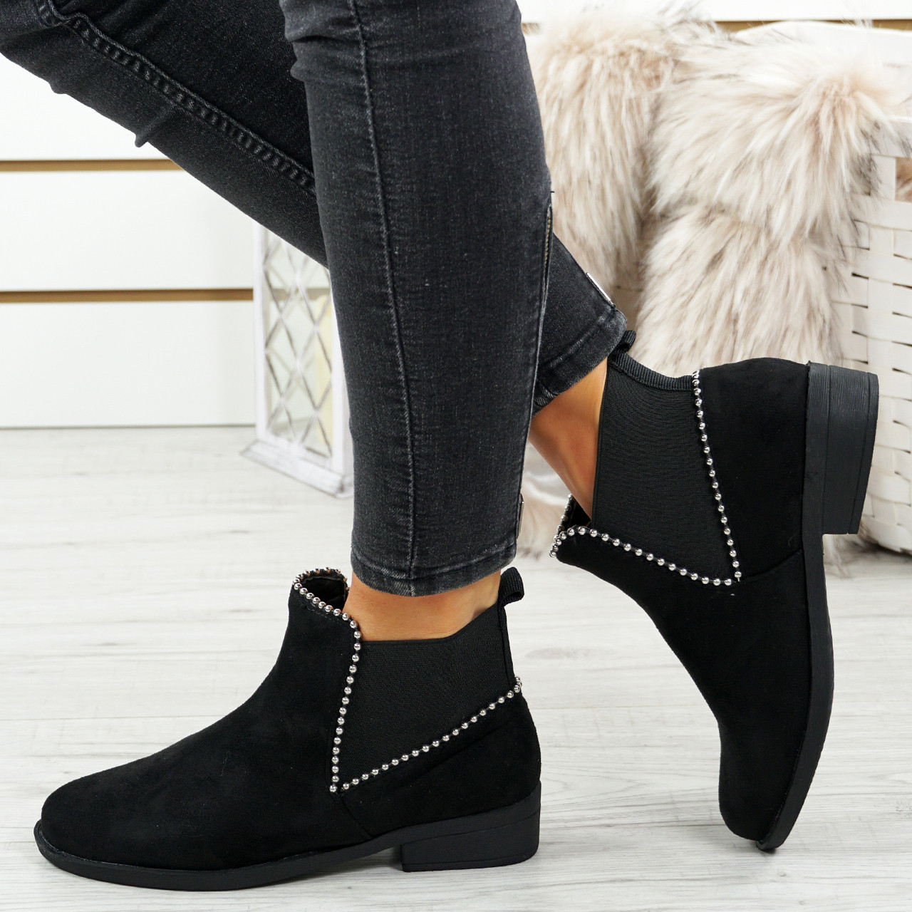1c319ff991bb5 Womens Ladies Chelsea Ankle Boots Studded Low Heel Slip On Pull On ...