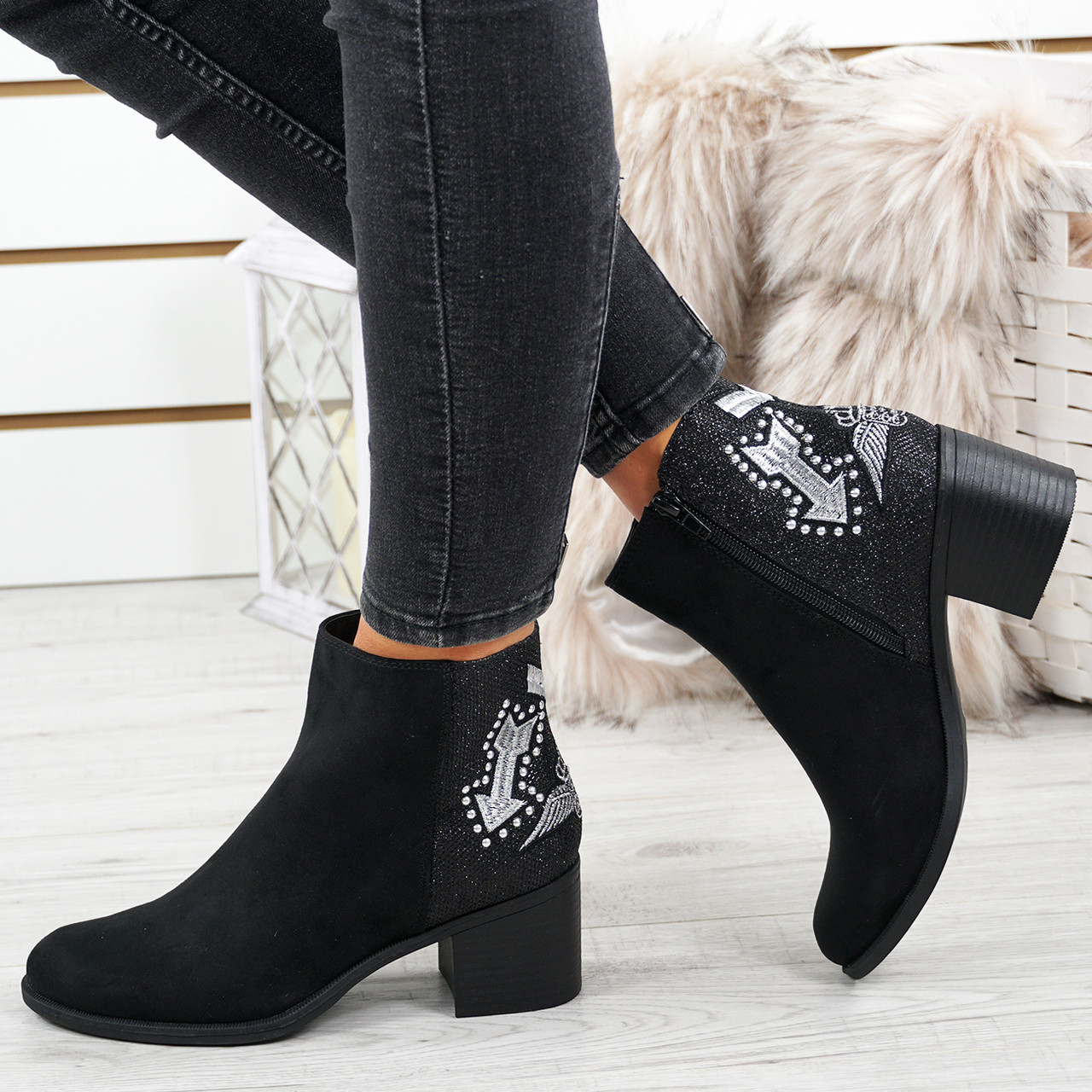 New Women Embroidered Chelsea Ankle Boots Block Heels Side Zipper Casual Shoes