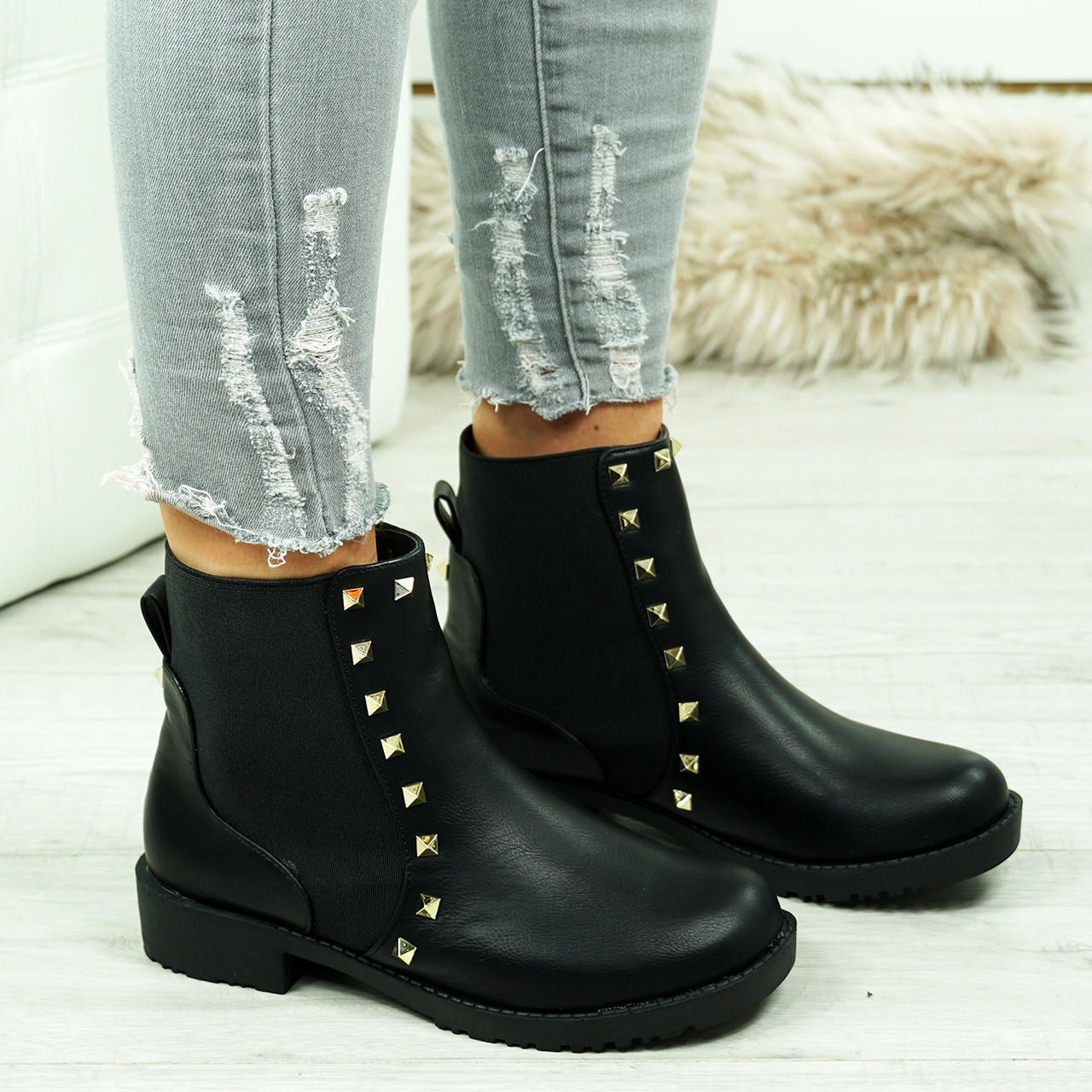 15a243eb1495 New Womens Chelsea Ankle Boots Rock Studs Chunky Low Block Heel Grip Sole  Shoes
