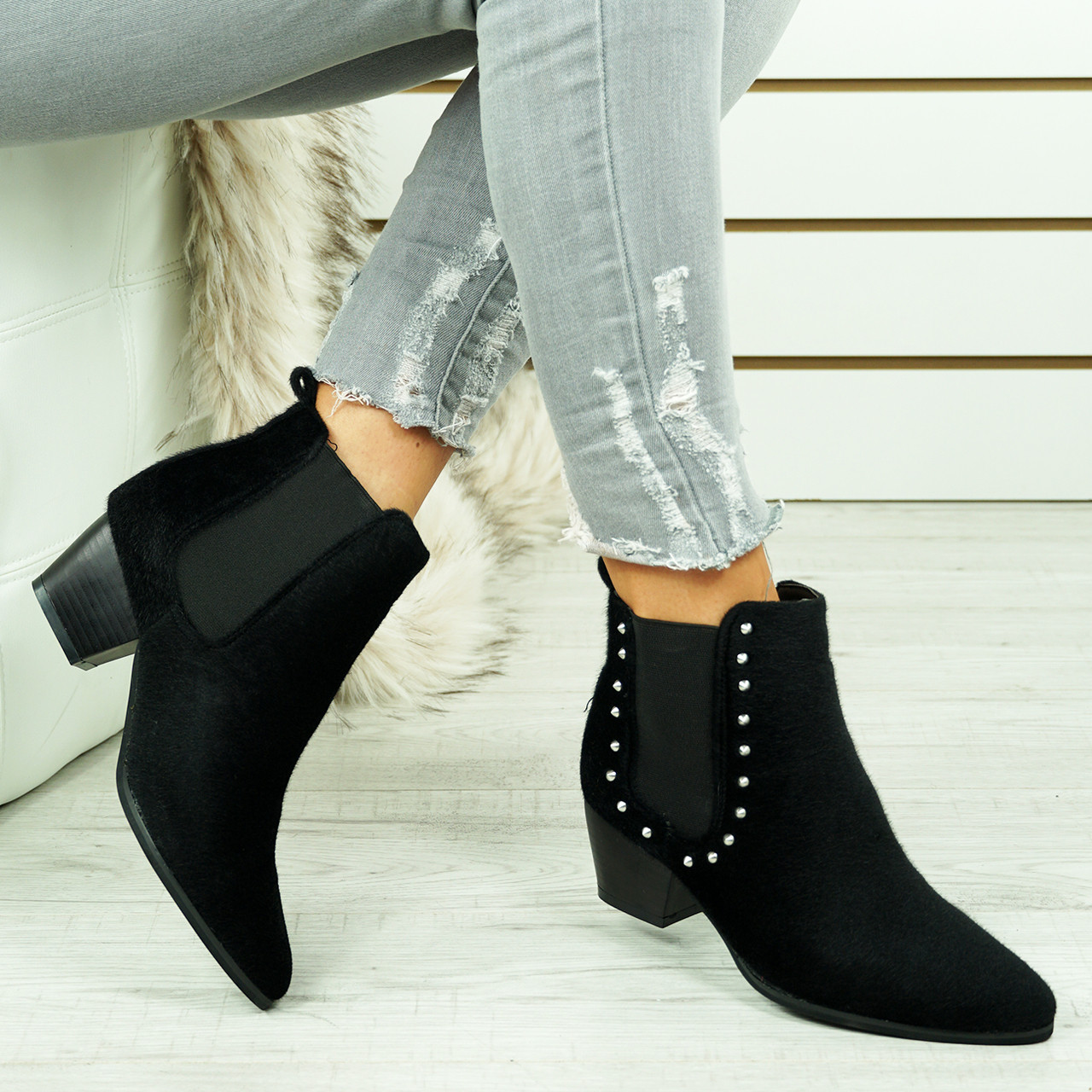 0c3dbe45467e Womens Ladies Chelsea Ankle Boots Studded Low Cuban Heel Comfy Shoes ...