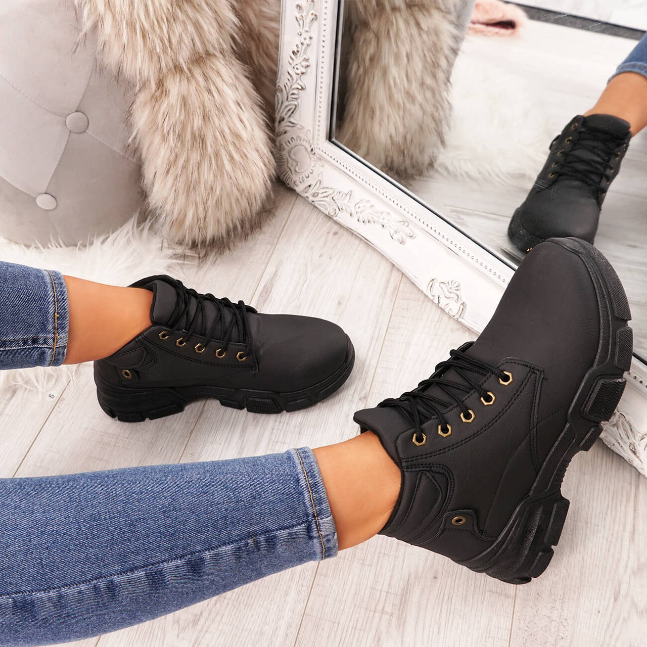Henna Black High Top Trainers - Ankle