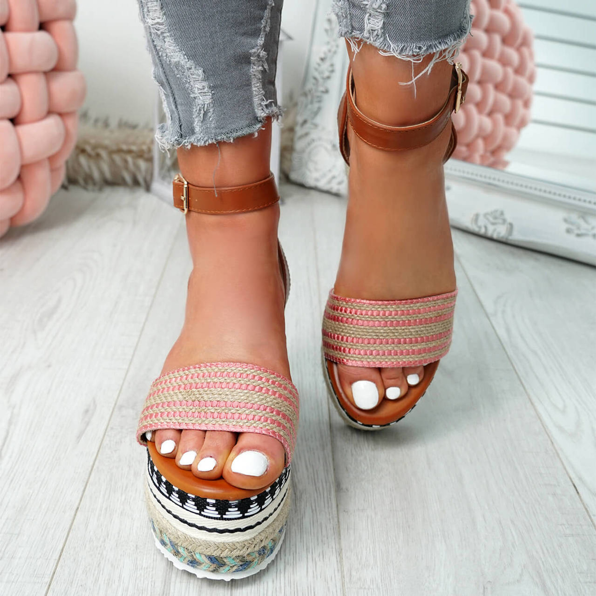 Gima Red Platform Sandals
