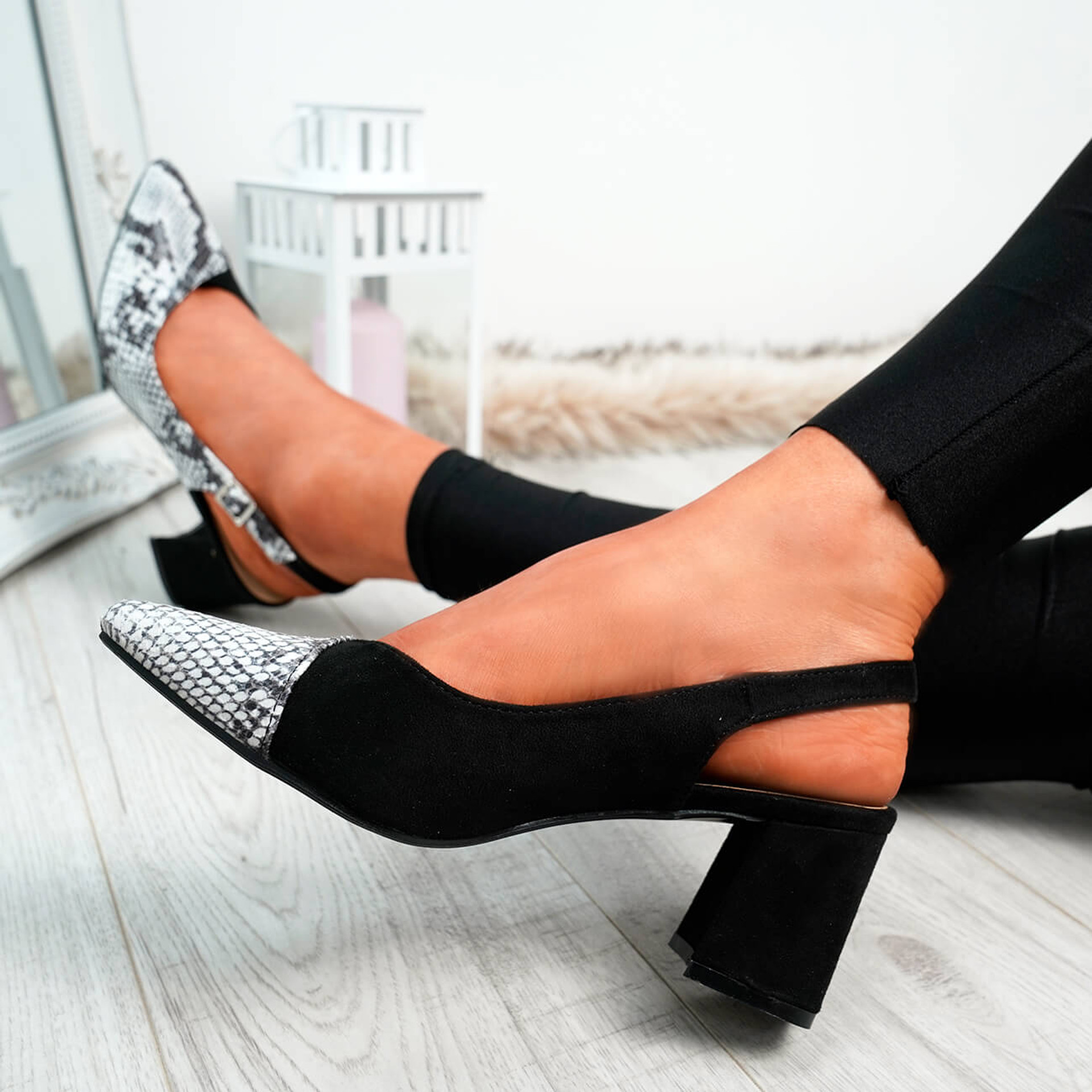 Caffo Black Snake Pointed Pumps