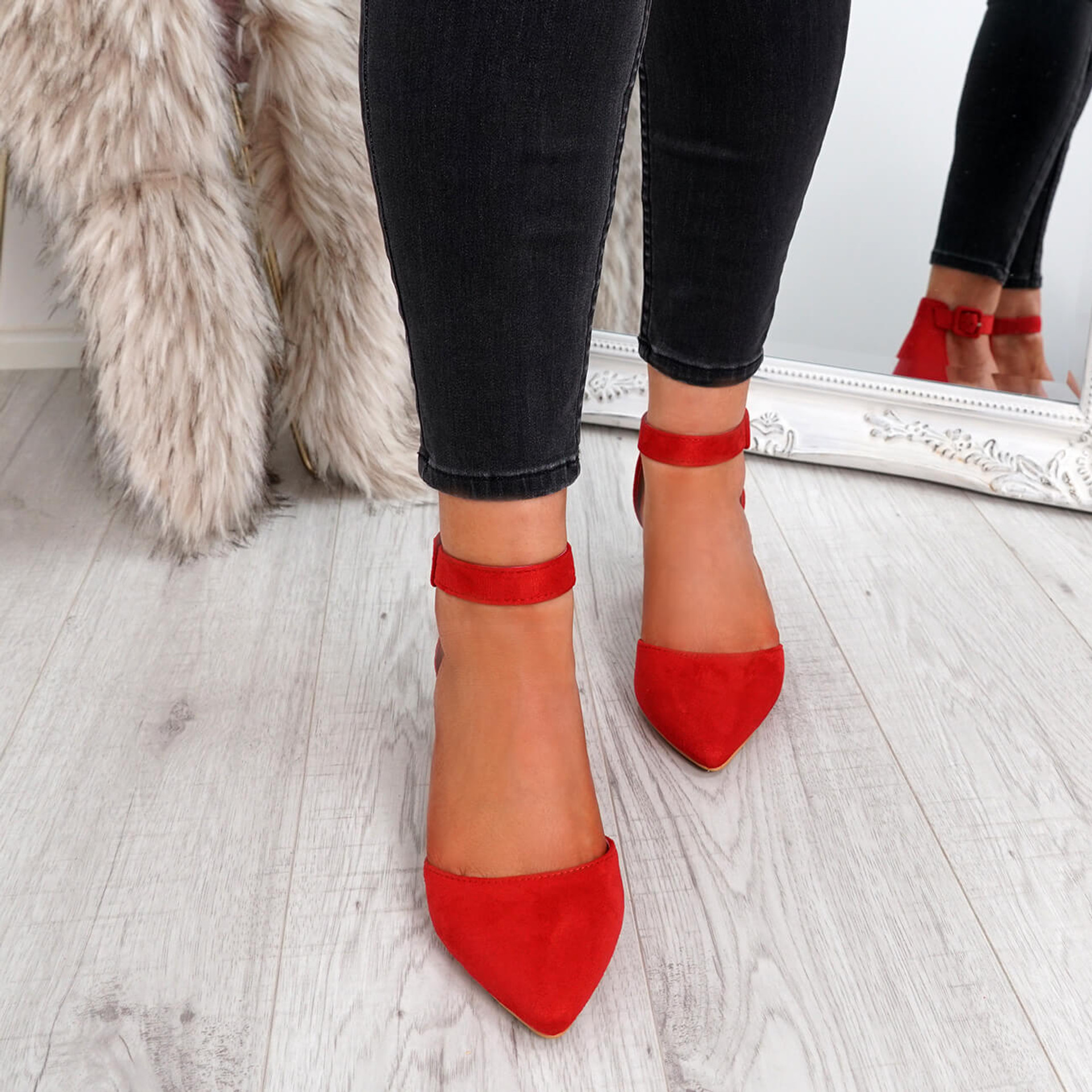 Tura Red Suede Pumps