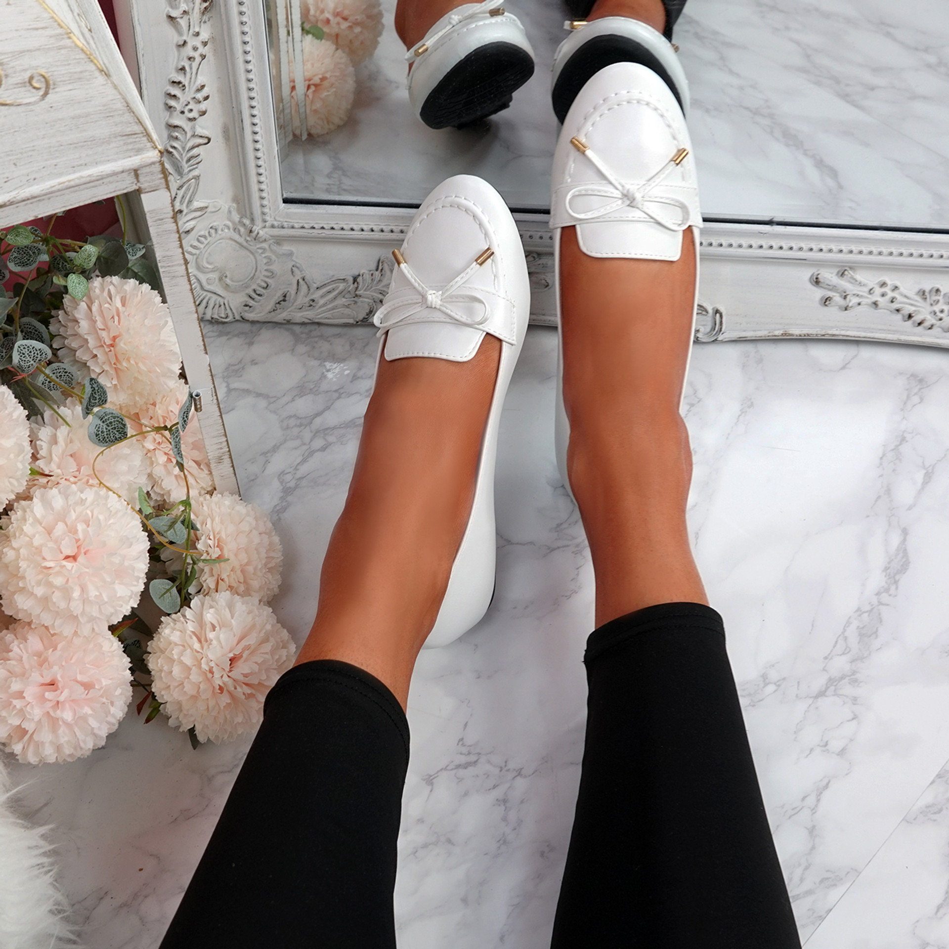 Invy White Pu Slip On Bow Ballerinas
