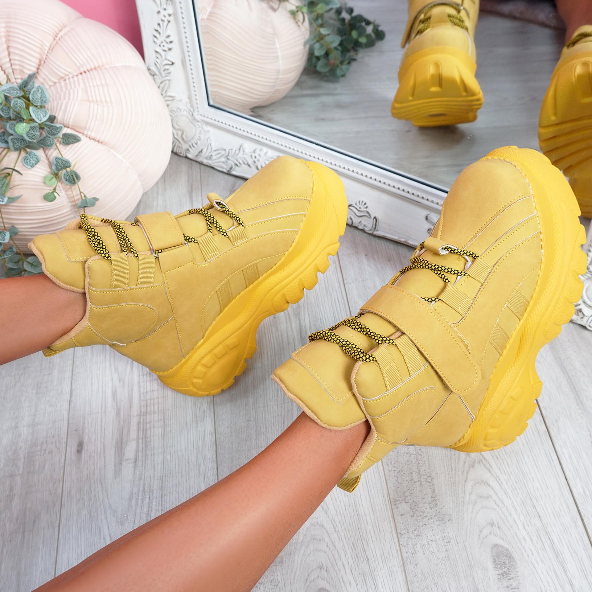 Guffe Yellow Flatform Ankle Boots