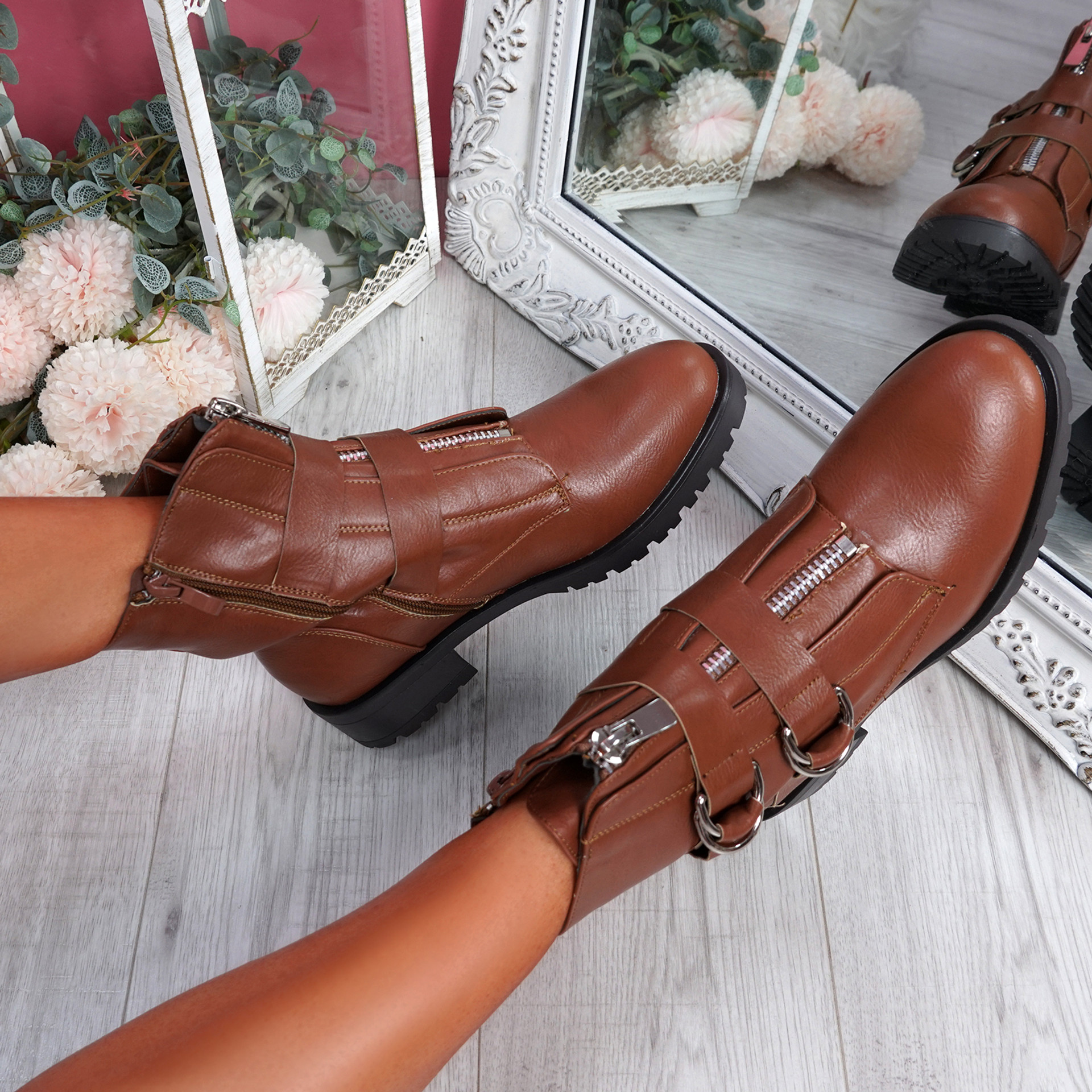 Kuja Camel Zip Ankle Boots
