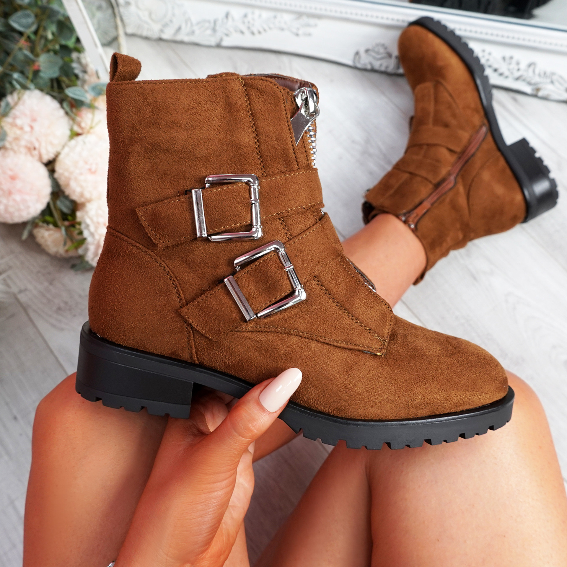 Munno Camel Zip Ankle Boots